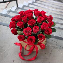 Арт. 0242. Розы 50см 25шт, шляпная коробка, атласная лента