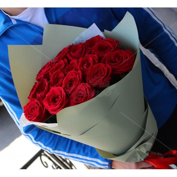Арт. 0001. Роза 60см 17шт, матовая пленка, атласная лента