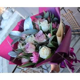 Арт. 0029. Роза 50-60см 9шт, тюльпан 4шт, гиацинт 2шт, салал 3, матовая пленка, атласная лента