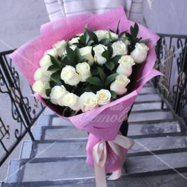 Арт. 0121. Розы 70см 25шт, рускус 9, джут, атласная лента