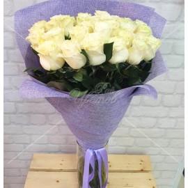 """Арт. 0134. Роза сорта """"Мондиаль"""" 70см 27шт, джут, атласная лента"""