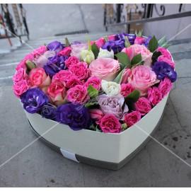 Арт. 0304. Роза 50см 8шт, куст.роза 5шт, эустома 4шт, тюльпан 6шт